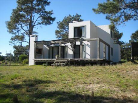 Atajo´s House , Lejos Del Ruido. En Barra Alta