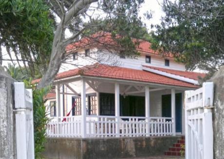 Casa Frente Al Mar, En La Floresta,
