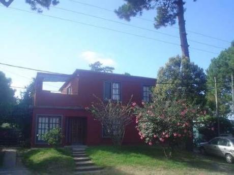 Casa Roja Dos Plantas