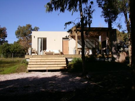 Casa En La Barra,ubicada En Una Zona Muy Tranquila , A 8 Cuadras De La Ancap.