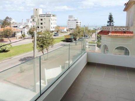 Apartamento En Piriápolis A 200 M De La Playa