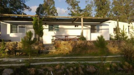 Hermosa Casa En Piriapolis Zona De Cerros Y Playa.