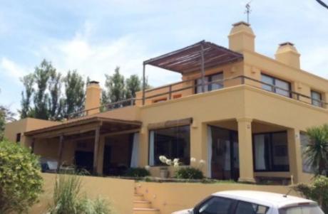 Casa Amplia Y Cómoda En El Chorro