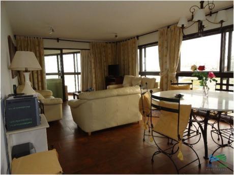 Apartamento En Alquiler 3 Dormitorios, Frente Al Mar En Punta Del Este.