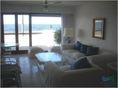 Apartamento De 3 Dormitorios Frente Al Mar En Venta Y Alquiler, Peninsula, Punta Del Este.