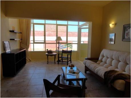 Apartamento De 3 Dormitorios En Alquiler En La Peninsula, Punta Del Este.