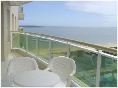 Apartamento En Alquiler Y Venta, Primera Línea, Vista Franca Al Mar, Punta Del Este