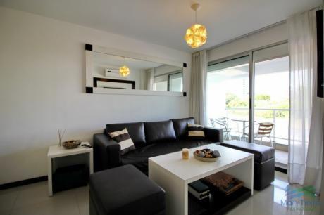 Vendo, Alquilo, Apartamento De 1 Dormitorio En Aidy Grill, Punta Del Este.