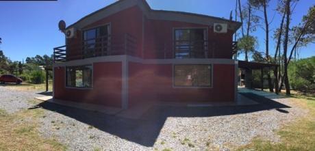 Casas Rojas A Estrenar A 2 De Playa - Punta Colorada