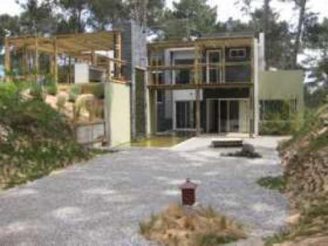 Casa En Club Del Lago - Ref: Pb1256