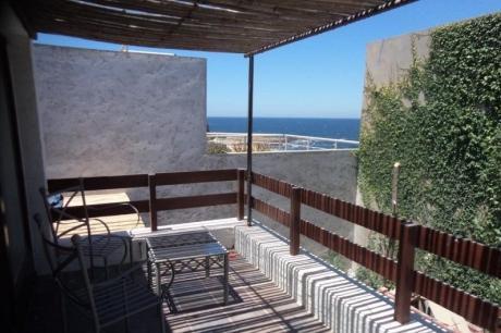 Excelente Casa En 3 Plantas A Metros Del Mar Con Cochera