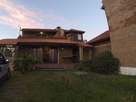 Casa Frente A La Rambla Santa Ana