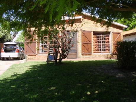 Alquilo Casa En Las Toscas , A 150 Mtros De La Playa. 3 Dor.