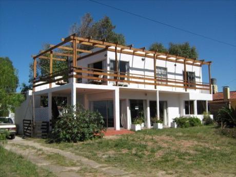 A Media Cuadra De La Playa - 2 Pisos 5 Ambientes 2 Baños
