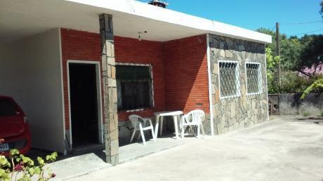 Casa 5 Ambientes, Parrillero, Amplio Fondo Arbolado