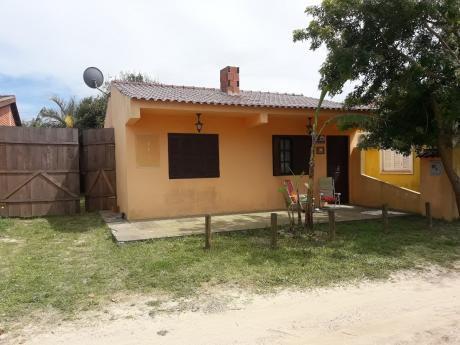 Casa De 2 Dormitorios En La Barra Del Chuy Brasilera