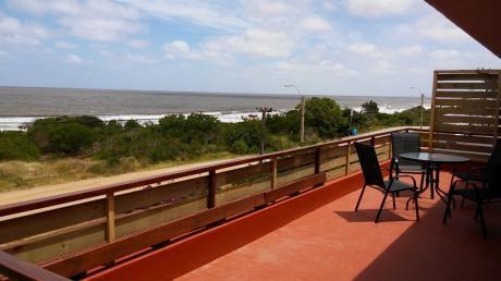 Excelente Apartamento Frente A La Playa En Alquiler