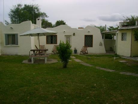 Alquiler Casa En La Pedrera, 40 Mts De La Principal Y Playa