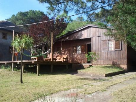 Cálida Cabaña De 3 Dormitorios Con Hermoso Deck