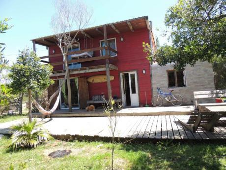 Casa Linda Grande A 1,5 Cuadras De La Playa.