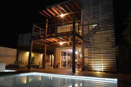 Casa Con Piscina, Muy Cómoda A Mts De Playa