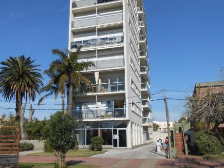 Edificio Yuyicam  Espectacular Apartamento  Con Vista Al Mar
