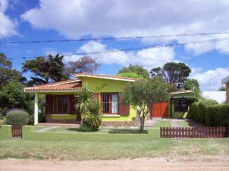Alquiler Casa Playa Hermosa.clavelitos