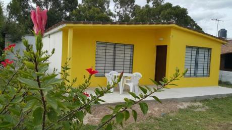 Comoda Y Luminosa Casa  A 1 Cuadra De La Playa Cuchilla Alta