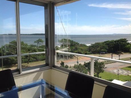 Apartamento En  Primera Fila En La Parada 6 Frente Al Mar ..