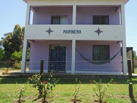 Casa Muy Linda Y Fresca, Ubicada A 3 Cuadras De La Playa.