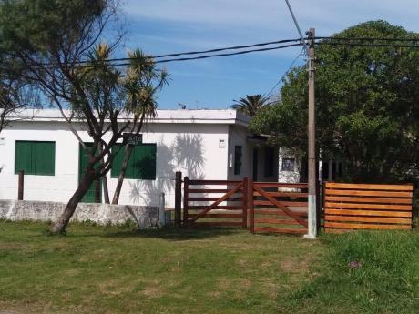 Casa Con 4 Ambientes, Baño, Cocina. Capacidad P/7 Personas