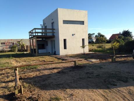 Casa A Estrenar A 1 Cuadra De La Playa - Punta Negra