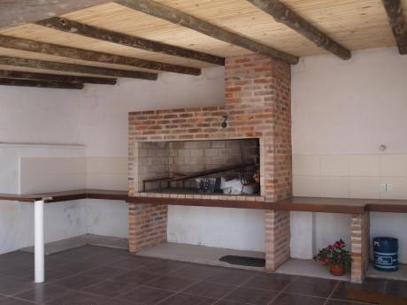 Excelente Casa Centrica 3 Dormitorios Con Barbacoa Cerrada