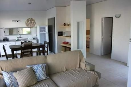 Casa En Playa Grande. 2 Dorm. Muy Luminosa. Muy Cómoda.
