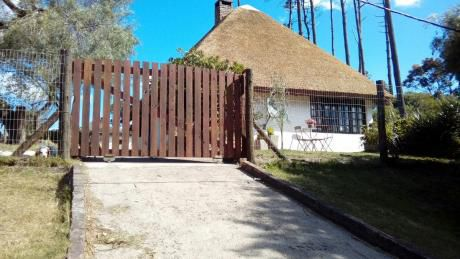 Casa Muy Fresca Y Cómoda,marindiasur Cercado 50m De La Playa