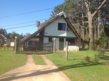Casa 3 Ambientes, 3 Baños, Cochera, Barbacoa, Parque Cercado