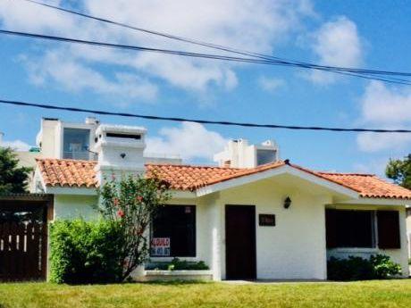 Casa 4 Personas En Punta Del Este A 1 Cuadra De Playa Brava