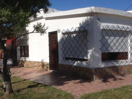Alquilo Casa 50 Mts De Mar C/parrillero