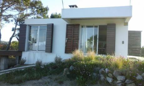 Linda Casa A 1 Cuadra De Playa  C/vista Al  Mar  100 Uss