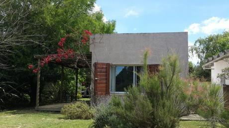 Casa En La Pedrera, Buena Ubicación. Para 4 Personas.