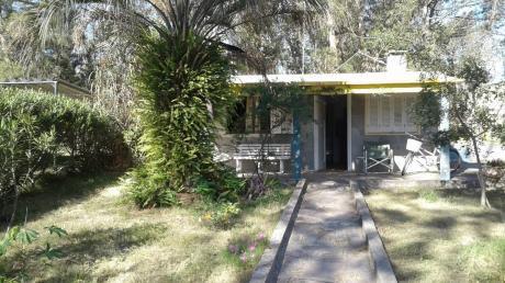 Casa 2 Cuadras De La Playa. Linda ,parrillero, 2 Dormitorios