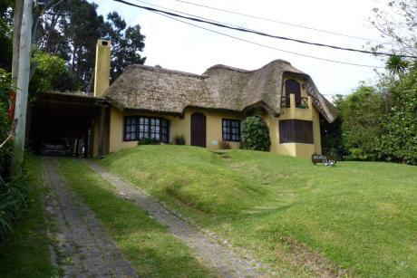 Casa De 4 Dormitorios Y 3 Baños.