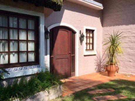 Casa Hermosa En Rincón Del Indio, Parada 24 De La Brava