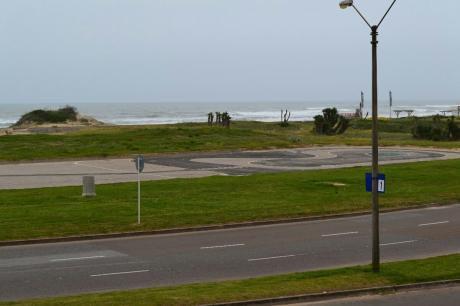 Rambla Parada 1 Brava Frente Al Mar