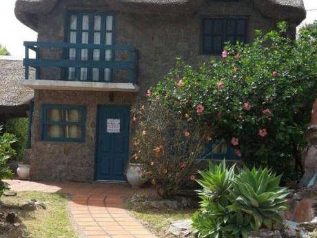 Casa De Piedra 2 Pisos