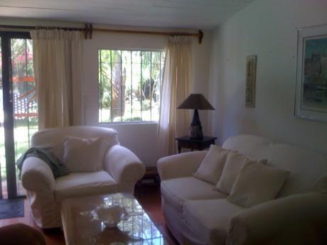 Chalet 2 Dormitorios En Solanas, Punta Ballena