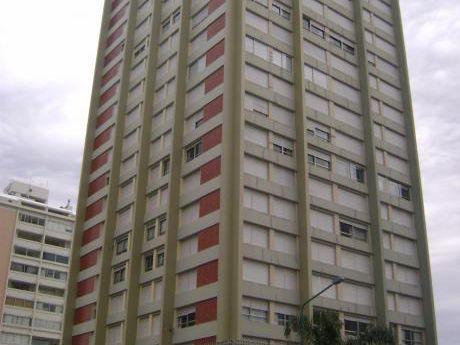 Alquilo Apartamento En Punta Del Este, Torre De Las Americas
