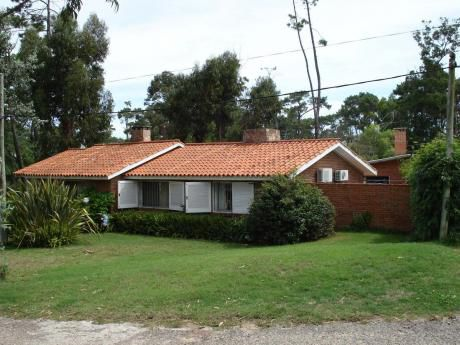 Parada 27 Mansa Casa 3 Dorm 2 Baños Barbacoa Baño Y Dorm.