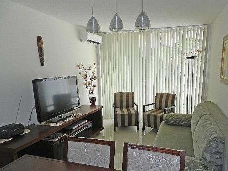 Apartamento En Pleno Centro De Piriápolis .