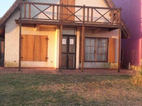 Alquilo Casa En Santa Ana